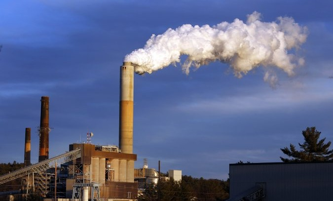 Legal Battle Begins Over Obama Bid to Curb Greenhouse Gases
